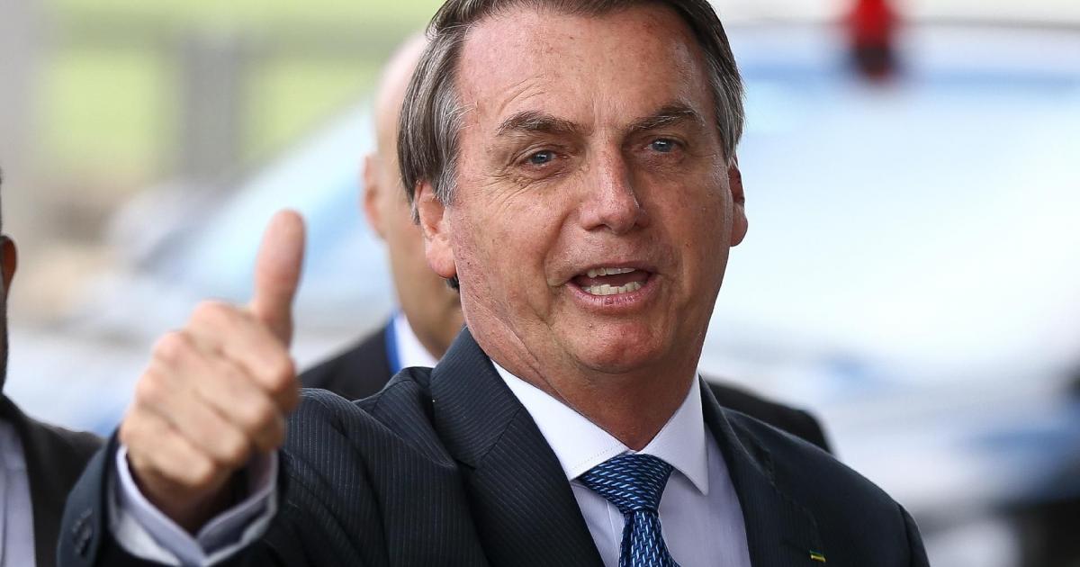 Perto de 10 mil mortes pelo coronavírus, Bolsonaro desmente churrasco