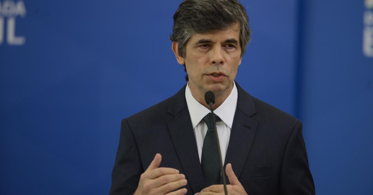 Saída de Teich é criticada por governadores: 'pagou com o cargo', diz Doria