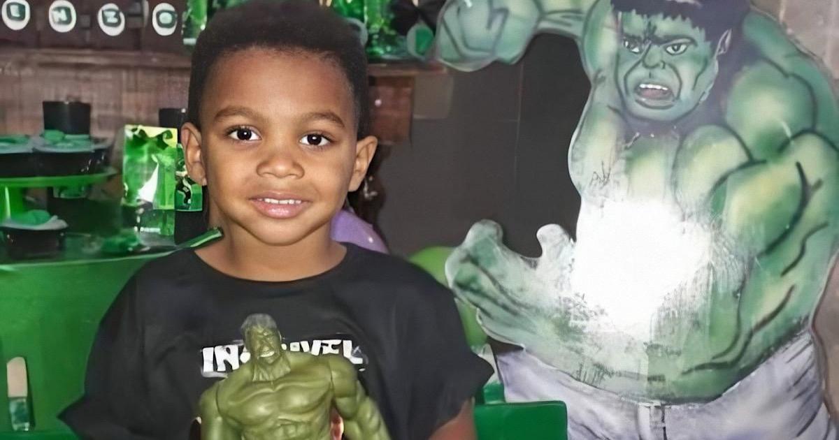 Pai de menino de 4 anos morto em aniversário no RJ desabafa: 'abraçou o meu filho e deu um tiro'