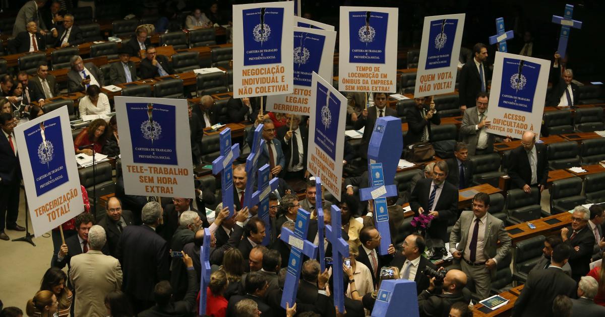 Oposição obstrue acordo individual trabalhista previsto em MP