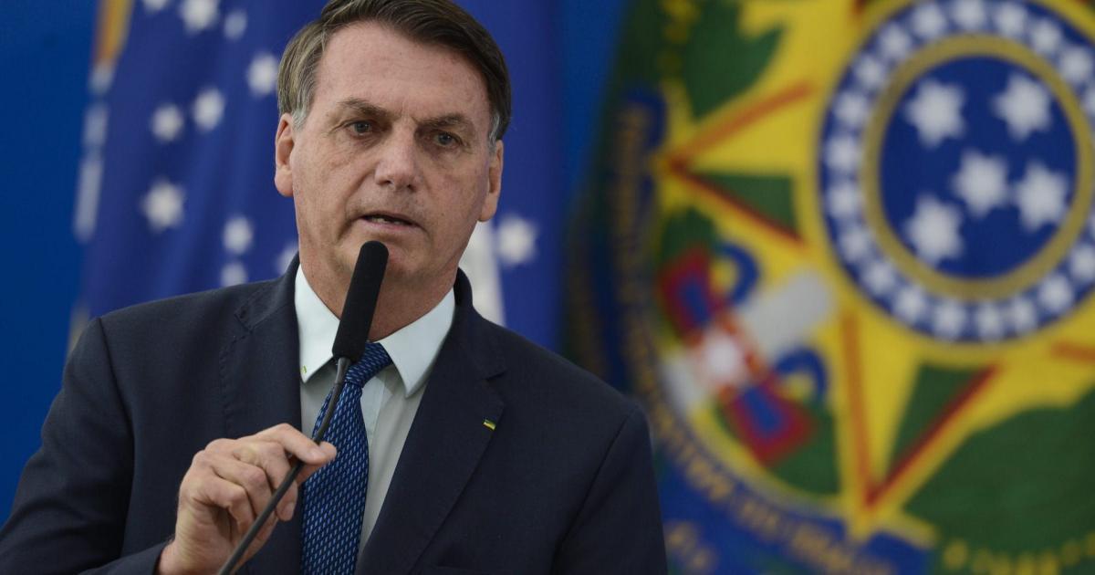 Bolsonaro fala em tomar 'medidas legais' após ações do STF