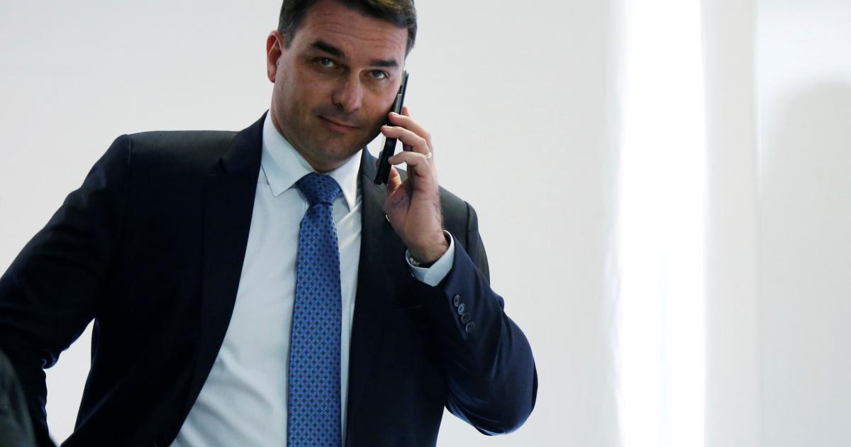 Flávio Bolsonaro diz que prisão de Queiroz foi um movimento para atacar seu pai