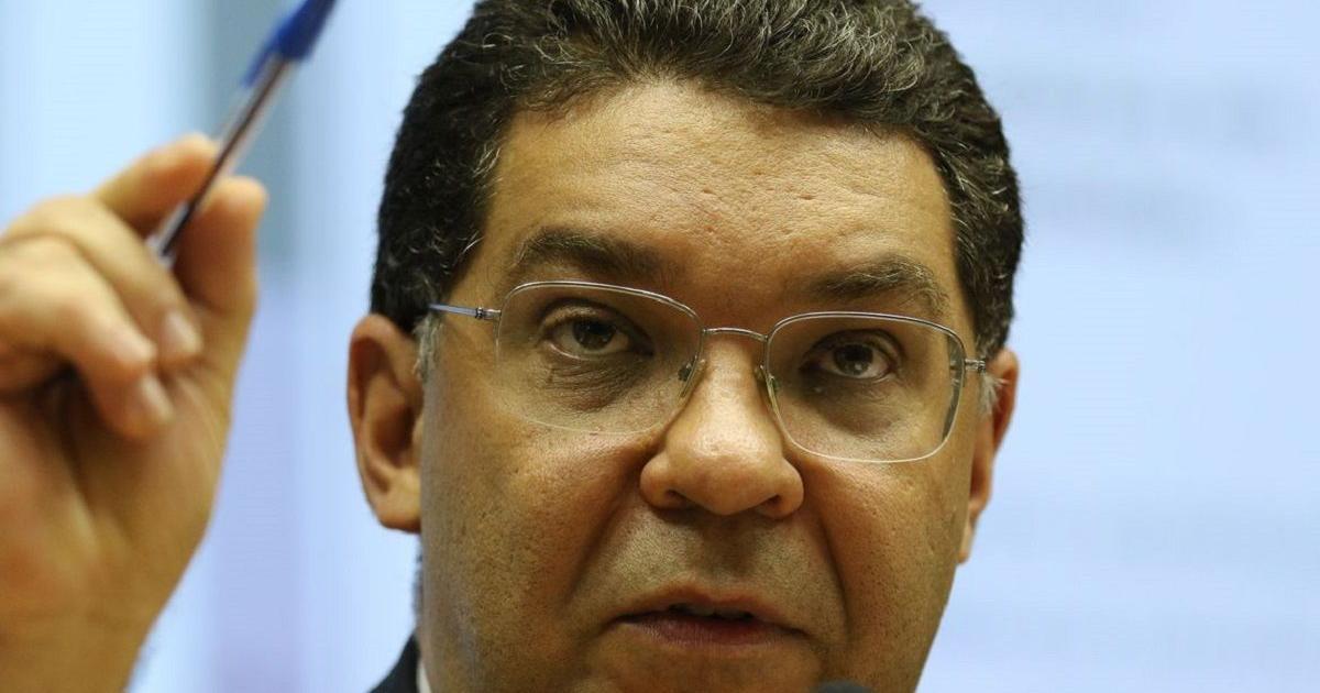 Prorrogar auxílio emergencial poderá custar bilhões ao governo, diz secretário