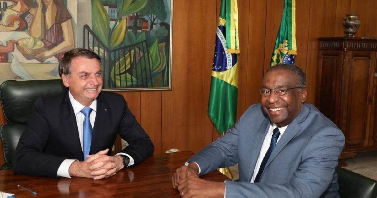 Novo ministro da Educação tem cerimônia de posse adiada