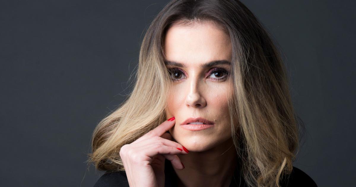 Deborah Secco fala sobre intimidade com seu marido no canal de Sabrina Sato