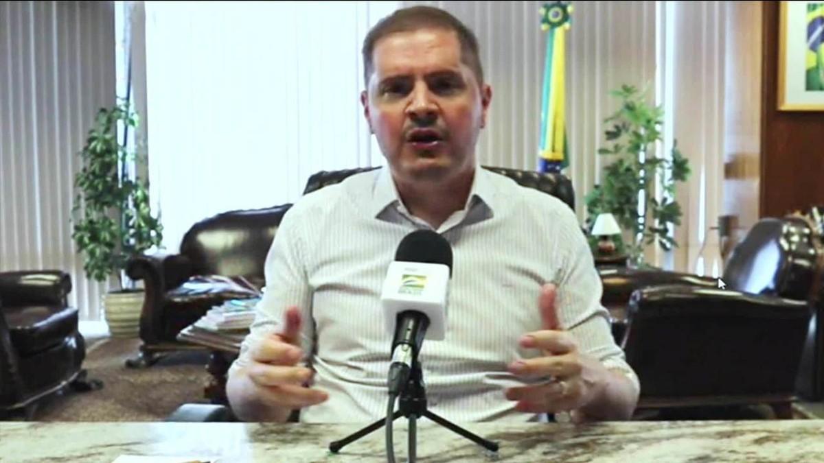 'Quem não voltar vai levar falta', diz secretário da Previdência sobre médicos peritos