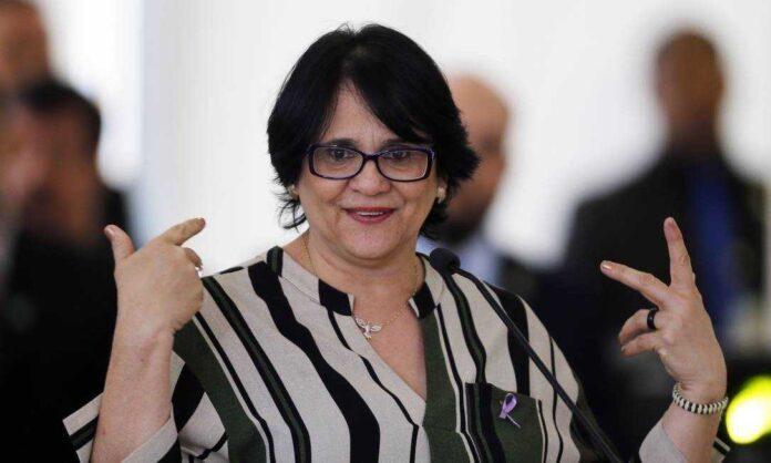 MP quer apuração de ação de Damares no caso da menina de 10 anos vítima de estupro