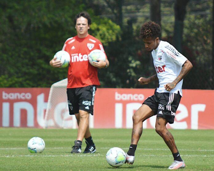 """Tchê Tchê resume jogo do São Paulo contra a LDU: """"Final"""""""