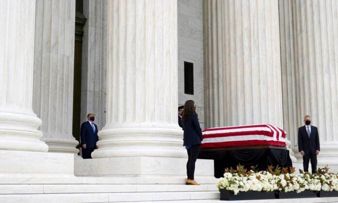 Trump é vaiado em velório de juíza da Suprema Corte