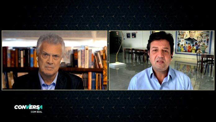 No 'Conversa', Mandetta diz que alertou Bolsonaro sobre 180 mil mortes se governo não agisse: 'Nunca falei em público, mas para ele eu mostrei'