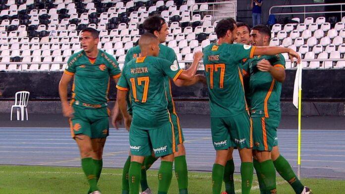 """Odair exalta """"reação forte"""" do Fluminense após eliminação: """"Sempre muito difícil digerir"""""""